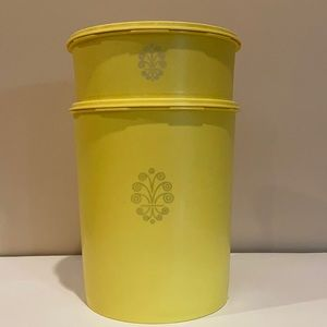 Vintage Tupperware 2 canisters with lids